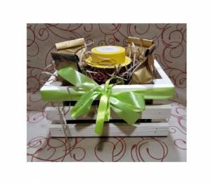 Подарочный набор в ящичке с медом